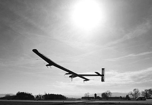 太阳能飞机发展史    说到太阳能飞机,也有一段发展历史.